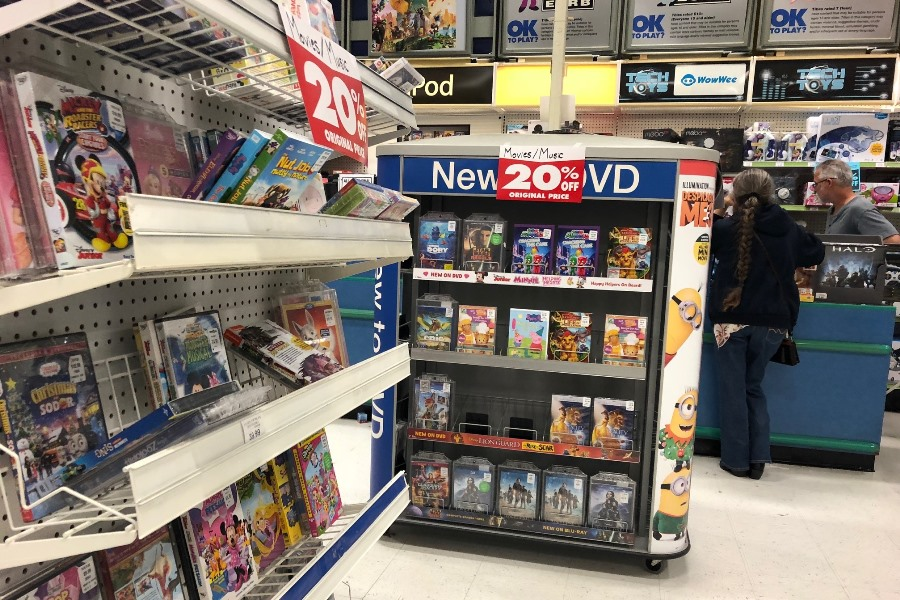Toys R Us Dvd : Toys 'r us once a big seller of discs and games winds